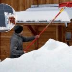 Čím odklidit sníh ze střechy a přístřešku