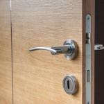Jak opravit a seřídit dveře