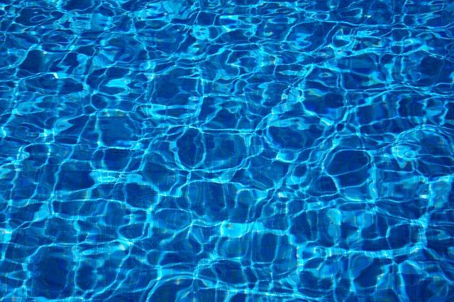 Jak udržet čistou vodu v bazénu