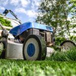 Letní péče o okrasný trávník