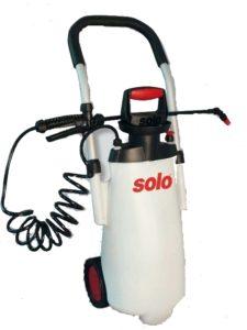 Pojízdný postřikovač Solo 453