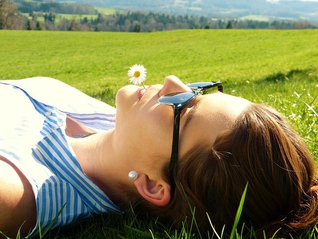 Přírodní kosmetika, repelenty a opalovací krémy, jejich výhody pro vaši pokožku